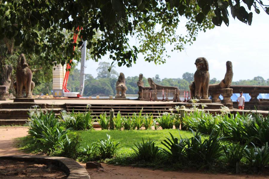 Angkor 4 Backpacking Romance
