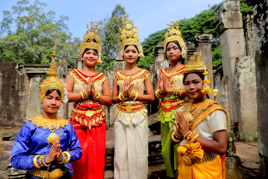 apsaras in angkor backpacking romance