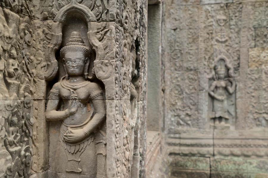 Ruins of angkor - Backpacking Romance