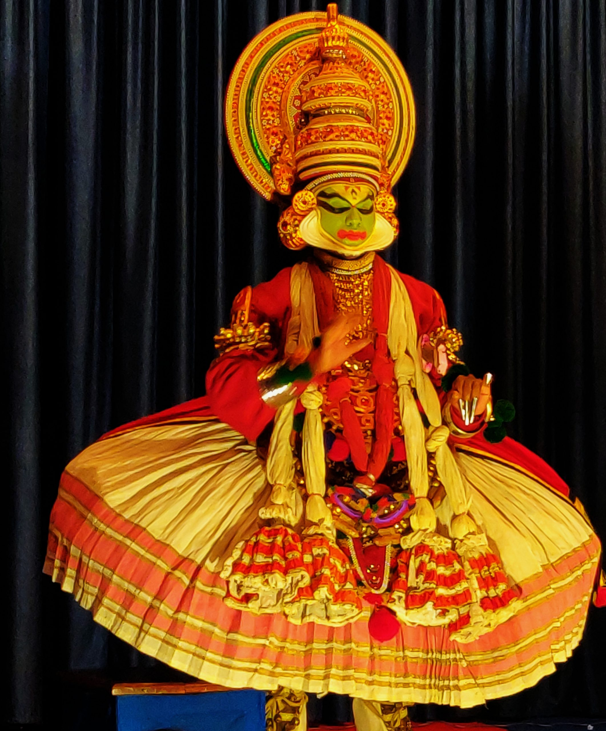 Watch a Kathakali Dance show!